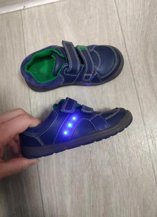 Туфли clsrks, кроссовки р.25