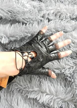Перчатки без пальчиков липучка и шнуровка