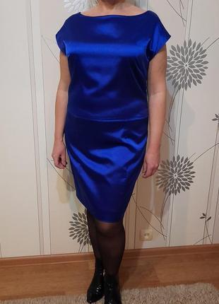 Коктейльное атласное платье  52 р.