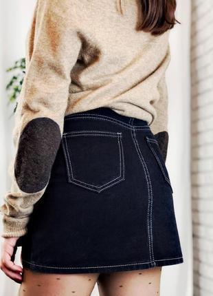 Черная джинсовая мини юбка на высокой талии
