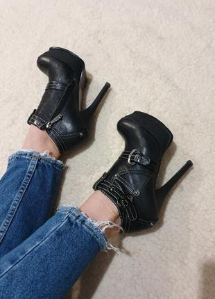 Натуральные кожаные туфли сапоги на платформе