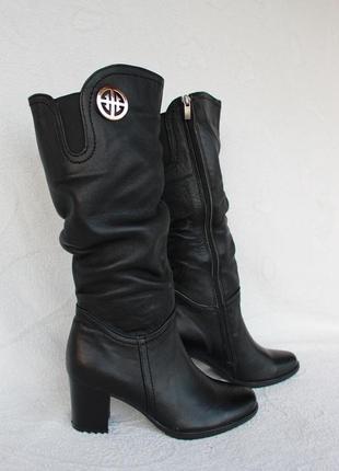 Зимние кожаные сапоги, сапожки 36 размера на устойчивом каблуке