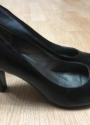 Туфли модельные jones лодочки натуральная кожа  ст.24,5см
