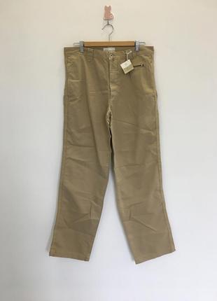 Новые брюки джинсы прямого кроя с этикеткой цвета камел