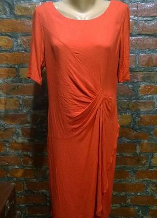 Платье футляр прямого силуэта с драпировкой из крепа marks & spencer