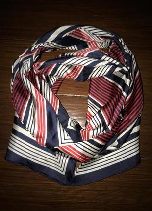 Avant-premiere, яркий шелковый шарф платок!