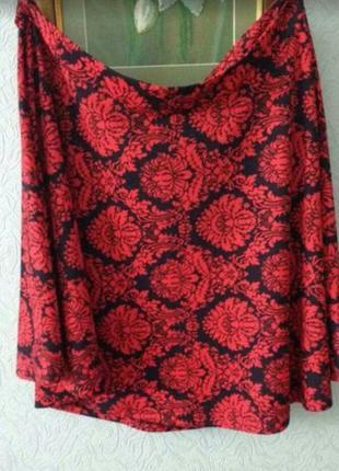 Прекрасная юбка из мягкой ткани ( демисезон) с жаккардовым узором
