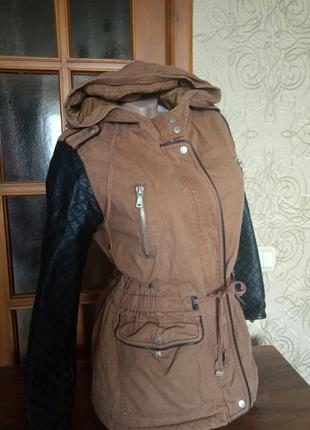 Куртка на меху с кожаными рукавами