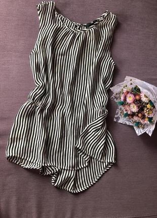 Актуальная нежная блуза без рукавов в вертикальную полоску