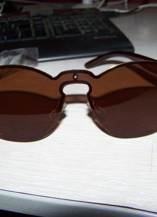 Безободковые стильные солнцезащитные очки унисекс дымчатые шоколад италия2 фото