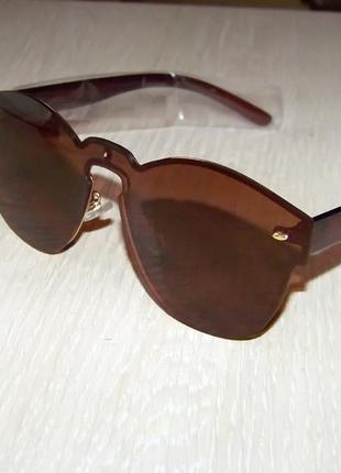 Безободковые стильные солнцезащитные очки унисекс дымчатые шоколад италия