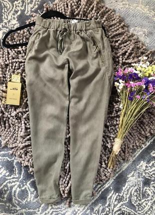 Актуальные  укороченные штаны zara хаки