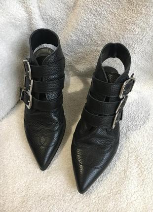 Кожаные туфли ботильоны с открытой пяткой