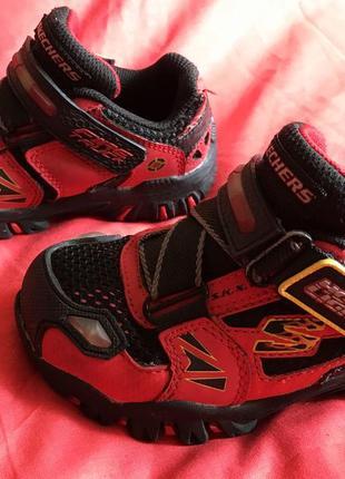 Кроссовки ботиночки светятся и мигают skechers damager fire truck