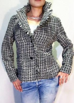 Италия  супер пиджак в стиле chanel с бахромистой оборкой
