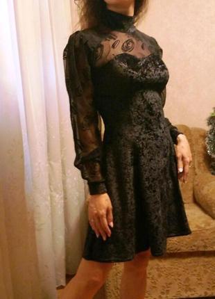 Вечернее бархатное платье с объемными рукавами сеточкой панбархат под горло