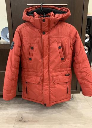 Куртка б/у фирменная зимняя на мальчика 8-9 лет