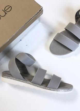 Босоножки сандалии женские новые фирменные итальянские andre assous