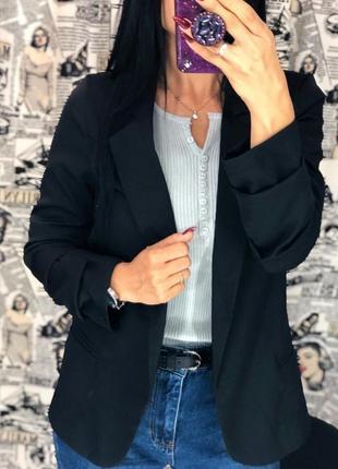 Стильный, черный пиджак/жакет
