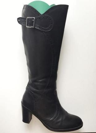 Шикарные кожаные сапоги на каблуке lavorazione artigianale