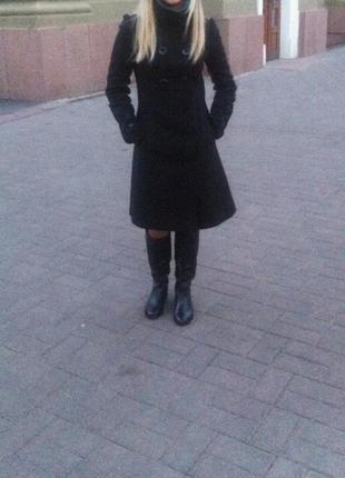 Пальто черное утепленное
