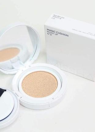 Кушон missha m magic cushion moist up тональный2 фото