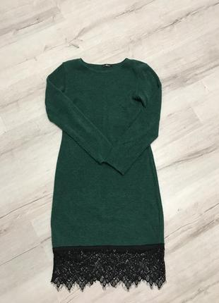 Тёплая зелёное платье ангоровое с шикарным кружевом , размер м