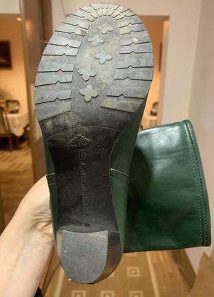 Кожаные зелёные ботинки на каблуке fornarina