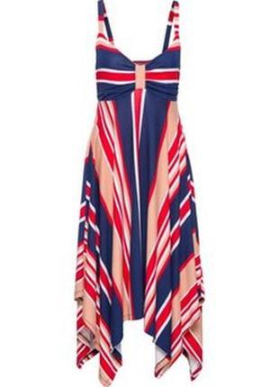 Трикотажное платье с асимметричной юбкой