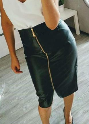 Кожаная юбка миди