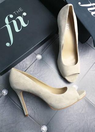 The fix оригинал замшевые бежевые туфли на шпильке