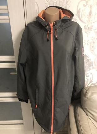 Стильная спортивная куртка большой оазмер