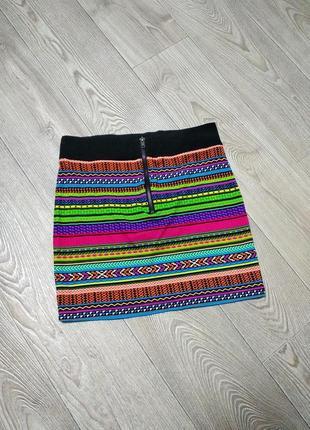 Красивая трикотажная яркая юбка со змейкой с молнией спереди коттоновая