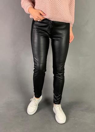 Леггинсы брюки скини эко кожа с лампасами h&m.