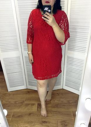 Красное кружевное платье, р. 22.