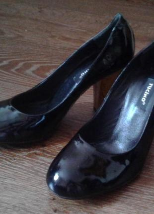 Шикарные туфли. натуральная кожа. 38р.