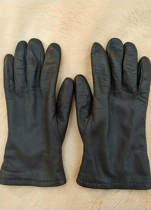 Красивые женские кожаные перчатки на шерсти, темно коричневый цвет.