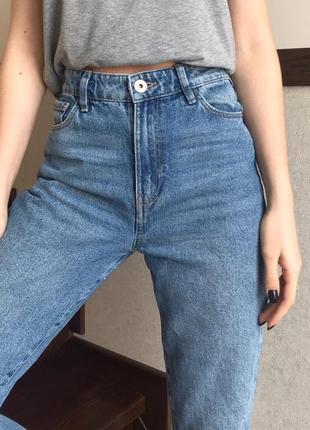 Голубі джинси мом висока посадка