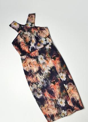 Роскошное платье миди в принт цветы по фигуре