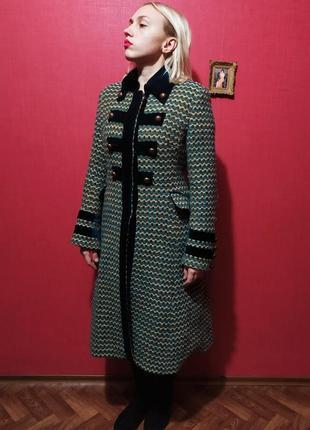 Великолепное дизайнерское  винтажное пальто