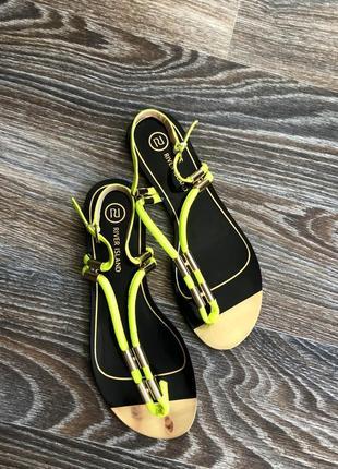 Черные золотые золотистые кожаные босоножки сандалии сандали натуральная кожа river island