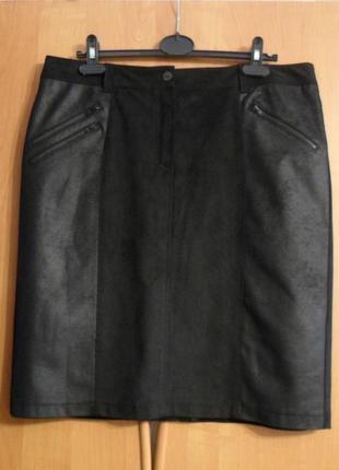 Черная, прямая юбка gerry weber, стилизована под замш.
