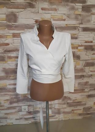 Молочная кофта на запах блуза