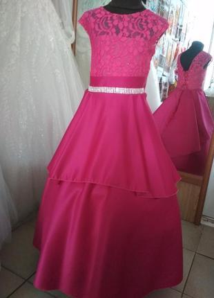 Выпускное атласное платье а-силуэта 7 лет 122