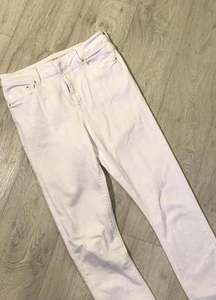 Белые джинсы asos