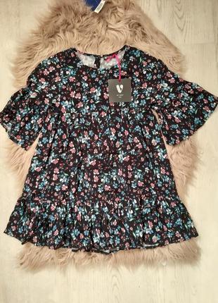 Модное платье на 5 - 6 лет чёрное в цветочек