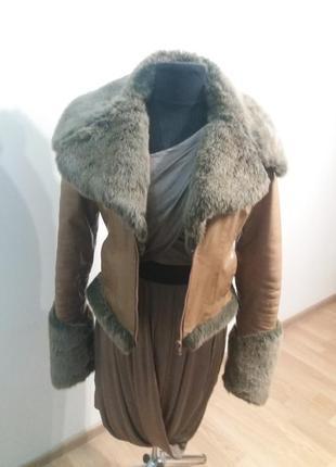 Супер молодежная кожаная куртка. теплая.