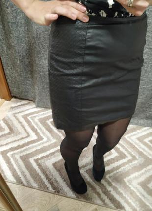Кожаная юбка, юбка под кожу