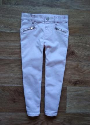 Нежно розовые джинсы
