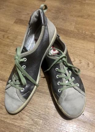 Фирменные кроссовки кеды ecco р.39{25 см}.
